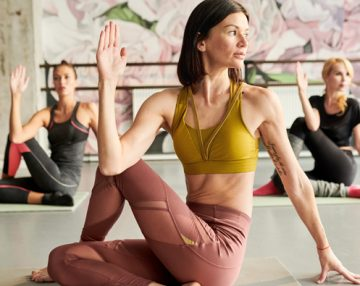 Here are the 5 top benefits of Yoga at work
